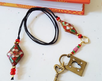 Beaded Bookmark Lock And Key / Red And Pink Floral / Glass And Metal Beaded Cotton Cord With Metal Charms/ Journal Marker/ Book Lover