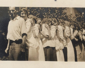 vintage photo 1914 Young Ladies Line up in Chain or Train of Women