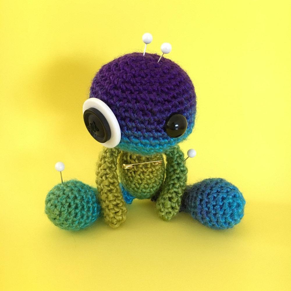 Amigurumi Voodoo Doll : Spectrum the Amigurumi Rainbow Voodoo Doll by cutedesigns ...