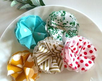 fabric scrap flower embellishments, holiday christmas fabric scrapbook flowers, fabric flower supply, fluffy fabric xmas scrapbook flowers