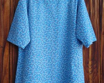 SIZE 18-20 The Mama San Mamasan Kappogi Full Coverage Smock Apron - Blue Calico Print - Size Large (18-20)