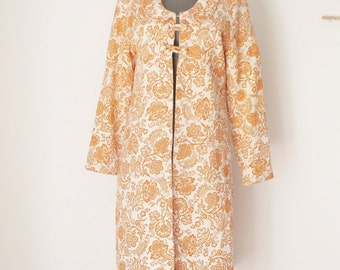 Vintage 1960's Mod Coat Mid Century House Coat Avant Garde Mod Orange Paisley Coat Women's Petite Coat Peter Pan Collar