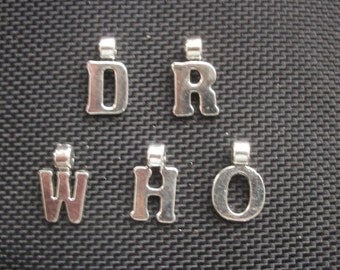 5 DR WHO Letter Charms Silver Tone Metal 17mm