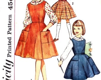 Girl's Jumper with Large Pockets, Skirt and Blouse Size 7 Simplicity 4084