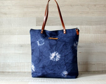 Shibori Tote, Hand Dyed Shibori Bag, Genuine Leather Straps, Canvas Handbag, Large Shoulder bag, ZIPPER CLOSURE, laptop bag, everyday bag