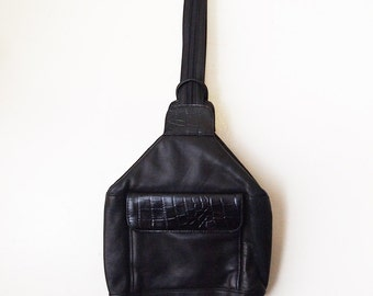 CARRYALL // Vintage 90s Black Leather Backpack Shoulder Bag Purse Bucket Bag Crossbody Satchel Festival Grunge