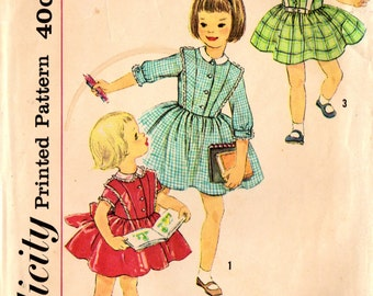 1950s Simplicity 3132 Vintage Sewing Pattern Girl's Full Skirt Dress, Party Dress Size 4