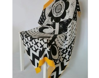 Personalized Black and White Flower Knitted Blanket