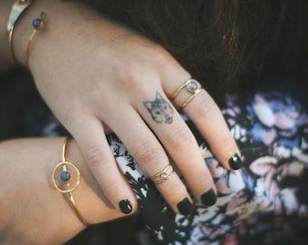 Labradorite cage ring, stone ring, thin // ECLIPSE RING