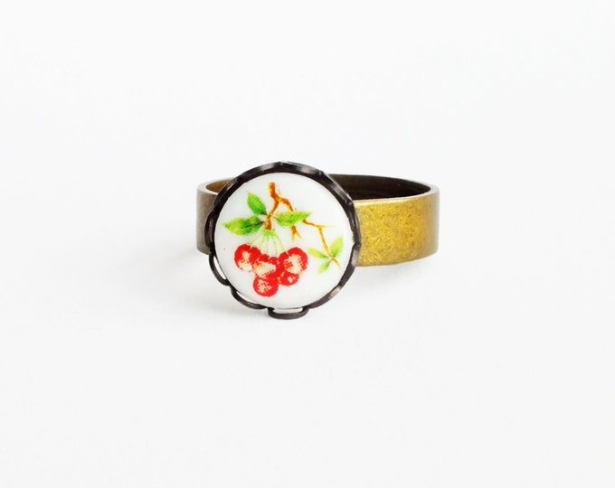 Cherry Ring Small Vintage Red Fruit Cameo Adjustable Antique Brass Ring Victorian Style Fruit Jewelry Cute Berry Ring Berries