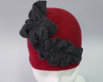 Caterpillar Cloche in maroon with grey detail in Eco Cashmere