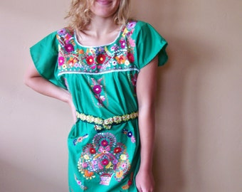 Mexican Dress, Embroidered dress, Green Mexican dress, Mexican Floral dress, Frida Kahlo,  size XS / S