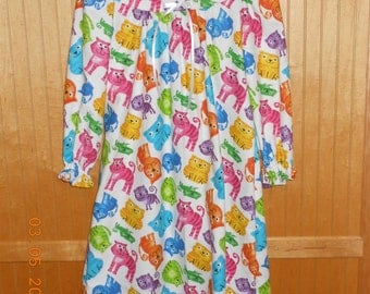Size 7 girls kitten nightgown