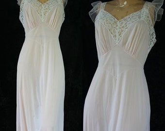 Vintage Pale Pink Vanity Fair 40s 50s Sheer Blue Label Chiffon Nylon Nightgown 36