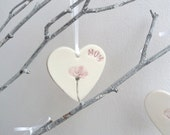 t New Mum Gift - Personalised Hanging Heart Decoration - Ceramic Hearts - gifts for mum - Flower Decor - Purple and White