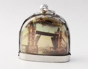 One of the hardest things in life to learn is which bridge to cross, London Bridge, Terrarium Locket Necklace, Tower Bridge LK22