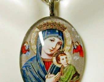 Our  Lady of Perpetual Help pendant with chain - GP04-355 cameo style