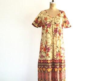 Vintage 1970s Boho Dress Tropical Floral Print Cotton Phillippine Batik Maxi Dress L
