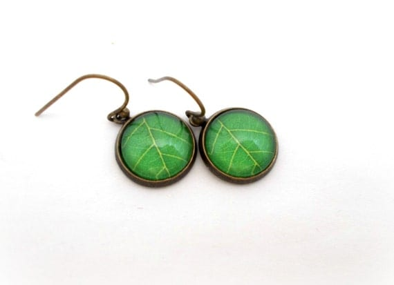 green leaf jewelry nature earrings simple by foreverandrea