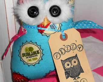 FiZZy ThE OwL OWL DOLL/Pillow/Hang Up Soda Pop Bottle Caps Fabric Primitive Owl Doll Handmade with Tag Hafair