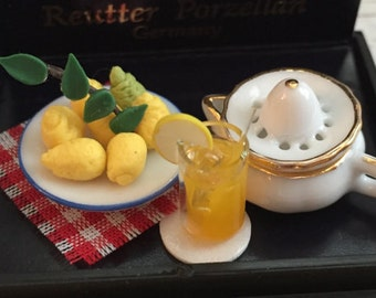 Miniature Lemonade Juice Making Set by Reutter, Collectible Dollhouse Miniatures, Includes Porcelain Bowl of Lemons, Lemonade, Juicer