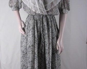 Vintage Romantic Dress 6 Kwai Gray Lace Print Large White Collar Sheer Cotton