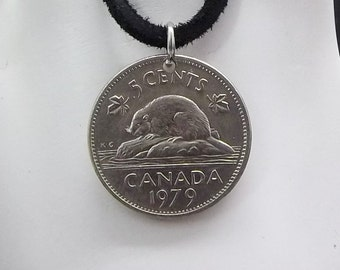 Beaver Coin Necklace, Canadian 5 Cent, Coin Pendant, Leather Cord, Men's Necklace, Women's Necklace, 1979