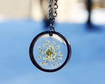 Queen Anne's Lace Flower Necklace, Resin Flower Necklace, Real Pressed Flower Jewelry, Flower Necklace
