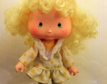 Vintage Strawberry Shortcake Doll Lemon Merinque Curled Hands 1979 Second Edition American Greetings