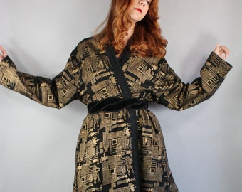 Vintage 80s does 50s Women's Black Gold Tribal Mid Century Modern Design Kimono Style Swing Full Jacket