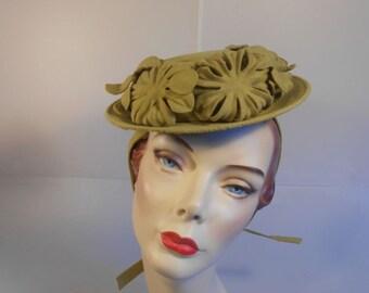 Spring Buds Shower Us - Vintage WW2 1940s Pea Green Chartreuse Wool Floral Felt Boater Tilt w/Ties