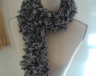 ruffle skull scarf black and white
