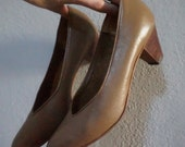 7 taupe preppy pointed toe hipster kitsch kawaii pumps shoes heels wood brown mocha comfortable work office professional