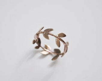 Foliage bronze ring - A wreath of Autumn leaves