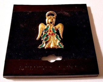 Christmas Angel Holly Berry Tac Pin Brooch Gold Tone Vintage Red Green Accents Round Halo Extended Wings Brushed Gown