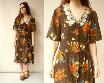 1980's Vintage Floral Printed Midi Dress With Lace Peter Pan Collar Size Medium