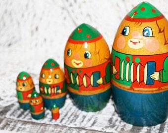 Matroishka doll, Matryoshka, Nesting Dolls, Stacking Doll, Nesting Doll, Babushka Doll, Wooden Doll, Russian Doll, Matroyshka