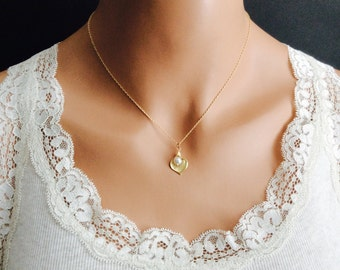 Pearl Necklace Cala Lily Necklace With Cream Swarovski Crystal Pearls