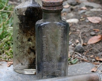 Instant Collection of 2 Antique Vintage Medicine Apothecary Bottles 2 Glass Vials Test Tubes Curiosities Altered Art Supplies Collectables