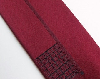 Vintage 60's Skinny Silk Tie Necktie Burgundy with Black Grid Design 2""