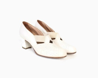 Vintage 40s HEELS / 1940s Deadstock White Perforated Leather Wedding Shoes 8 1/2