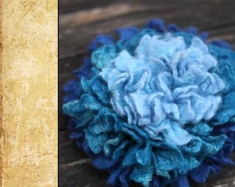 """Felted Flower Brooch DIY Kit No.9 / """"Ultramarine"""""""