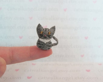 Felt Miniature - Felted Miniature Grey Tabby kitten- Felted cat - Grey Tabby - cat miniature - tiny kitty - tiny cat