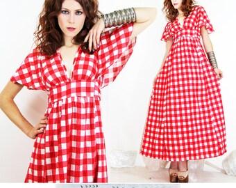 Womens Dress Vintage 70s Maxi Dress  Cape Sleeves Plaid Empire// Vintage dresses by TatiTati Vintage on Etsy