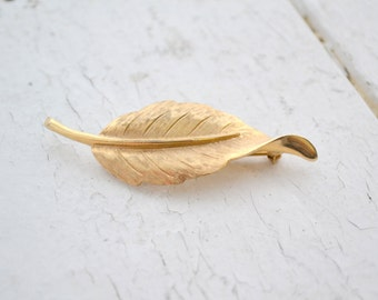 1980s Avon Leaf Brooch