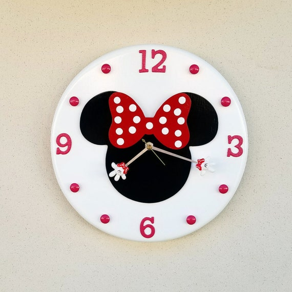 Minnie Mouse Clock Minnie Mouse Minnie Mouse Wall Clock