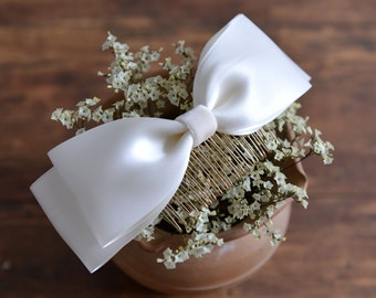 Ivory Bow - bridal ivory big bow wedding comb, simple bridesmaid headpiece. Ready to ship
