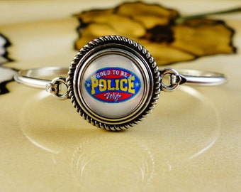 PROUD POLICE WIFE snap button on silver 8 inch silver Bangle