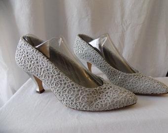 Vintage 80's Metallic Silver Lace Phyllis Poland Pumps Size 9