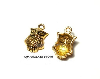 Antiqued Gold Tone Metal Wide Eyed Owl Charms Pendants 21x13mm destash collection SALE USA